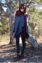 crimson knit Forever21 scarf - gray Levis jeans
