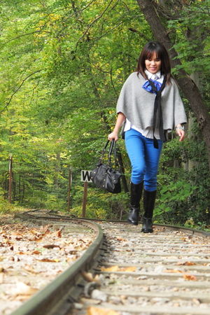 Tarnish cardigan - Burberry shoes - abercrombie and fitch jeans - Urban Outfitte