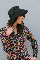 Black-wide-brim-vintage-miss-bierner-hat