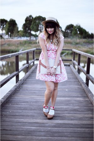 bubble gum Dahlia dress - camel OASAP hat - brown Forever 21 clogs