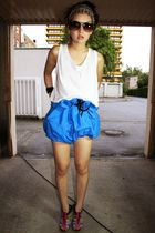 blue thailand shorts - white Monki shirt