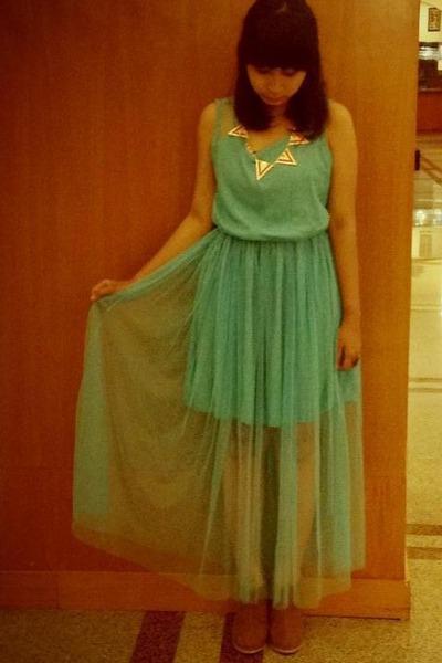 necklace - dress - heels