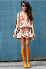 Coach-necklace-vintage-boots-forever-21-dress-the-caravan-bag