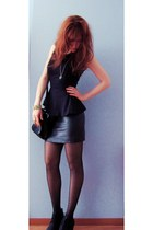 black tights - black vintage bag - black wedges - black peplum new look top
