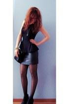 black tights - black vintage bag - black wedges - black peplum new look top