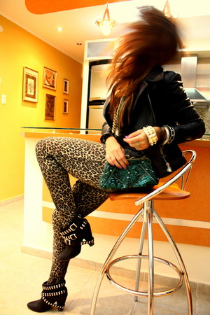 black Zara boots - black leather jacket - forest green boutique purse - gold vin