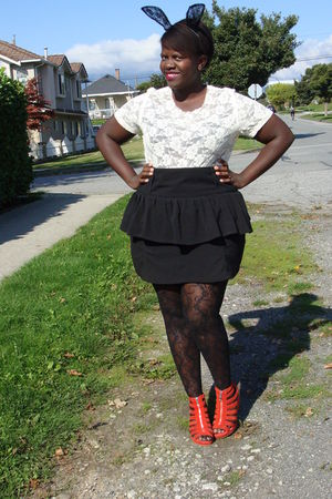 black H&amp;M accessories - white t-shirt - black Nenee skirt - orange H&amp;M shoes