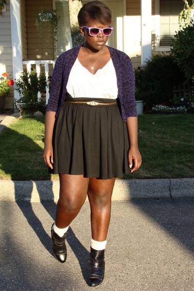 purple Forever 21 cardigan - black Old Navy skirt - purple sunglasses - gold bel