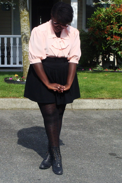 pink shirt - black skirt