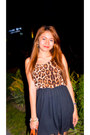 Dark-brown-betty-leopard-dress-carrot-orange-jessica-simpson-bag