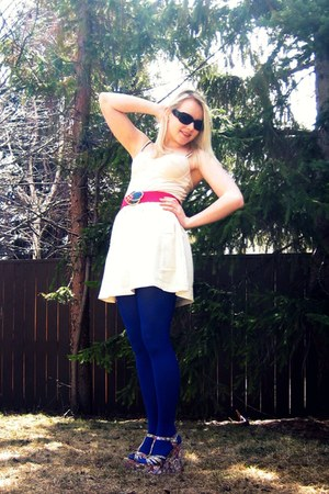 blue American Apparel tights - hot pink vintage belt - ivory Urban Outfitters sk