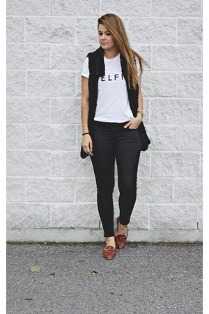 black black jeans jeans - white graphic tee t-shirt