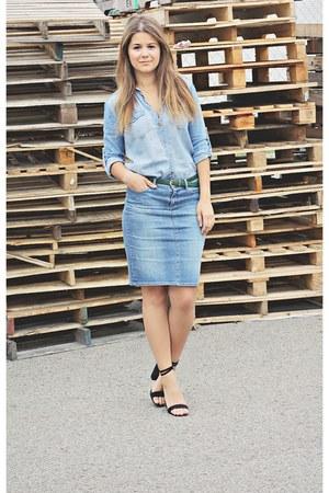 blue denim Uniqlo skirt - blue denim shirt Forever 21 shirt