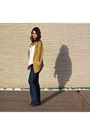 mustard silk Willow & Clay blazer - navy flarred JBrand jeans
