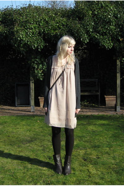beige Vero Moda dress - gray Zara cardigan