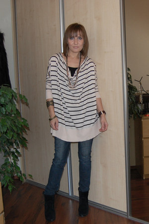 neutral H&M blouse - navy c&a jeans - black BCBGeneration shoes