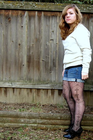 urbanoutfitters leggings - Forever21 top - Old Navy shorts - Oxford shoes - tiff