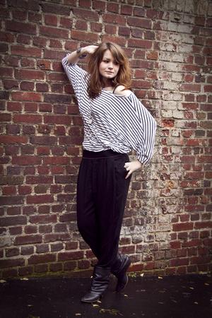 white H&M blouse - black Zara shoes - black zapa pants