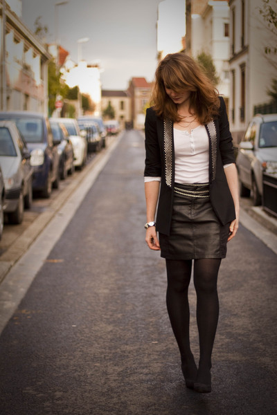 black H&M skirt - black Zara blazer - white Petit Bateau top