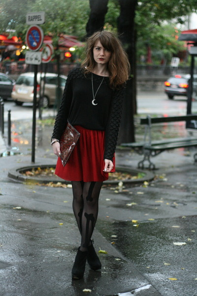 ruby red American Apparel skirt - black Henry Holland tights