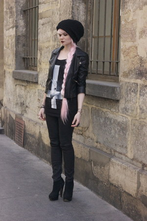 black biker jacket Sheinside jacket - light pink pink wig Makibadi hat