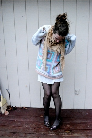 blue thrifted claus sweater - brown mums closet mums closet shoes