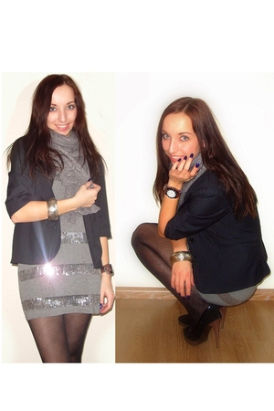 black Vero Moda blazer - gray H&M dress - Bijenkorf tights - black shoes