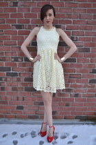 cream Zara dress - red red Zara heels - gold cuffs H&M bracelet