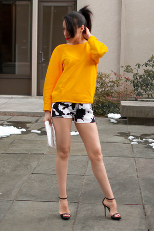 yellow Zara sweater - white printed Zara shorts - black Zara sandals