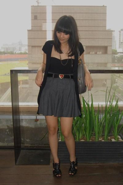 gray Topshop skirt - gray Marc by Marc Jacobs accessories - black Zara top - bla