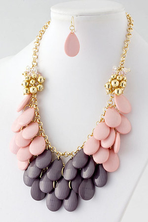 beaded necklace necklace