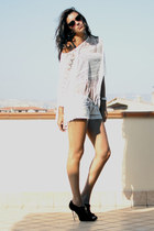 white nastygal top - light blue Zara shorts - black nastygal sunglasses