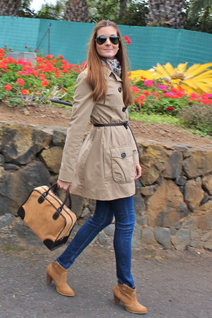 brown El potro bag - light brown Bershka boots - light brown Springfield coat