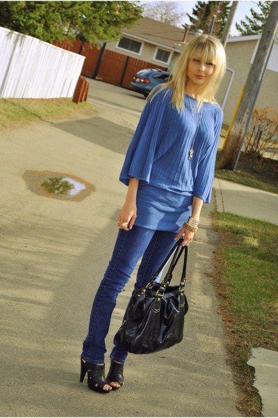 blue H & M sweater - blue Sirens jeans - black Aldo shoes - black winners purse
