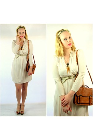 neutral H&M dress