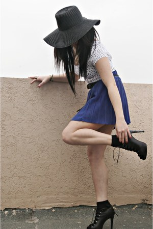 black hat - black bag - black belt - mustard accessories - navy skirt