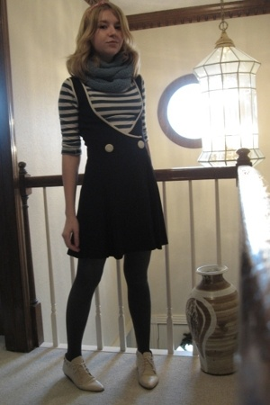 made by me scarf - Forever21 top - VintageGoodwill dress - JC Penny tights - Vin