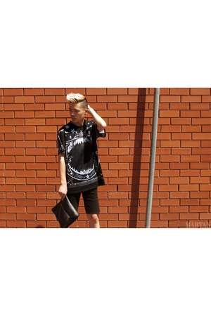 black MARTAN bag - black Nique shorts - navy Givenchy t-shirt
