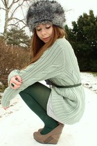 mint cardigan - heather gray faux fur hat - forest green tights
