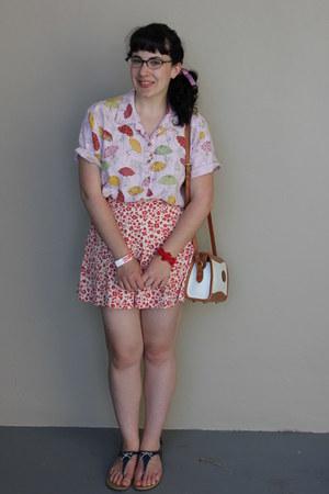 vintage purse - vintage shorts - vintage blouse - Payless sandals
