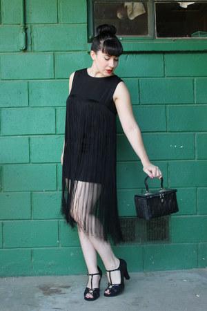 black vintage dress - black vintage purse - black heels