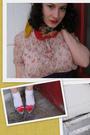 Red-vintage-western-motif-scarf-blue-forever-21-shorts-beige-forever-21-blou