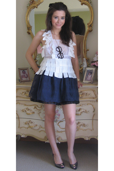 white Gail Sorronda top - blue sretsis skirt - gray Melissa shoes