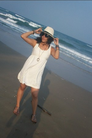 ivory pull&bear dress - white pull&bear hat - Aldo sandals