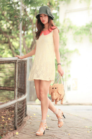 salmon ianywear dress - eggshell Joy & Peace heels