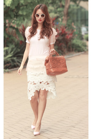 tawny Chicwish bag - white Chicwish suit - ivory the layers belt