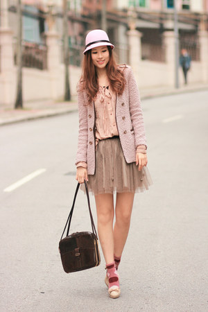 dark khaki Chicwish skirt - neutral Chicwish shirt - pink Chicwish socks