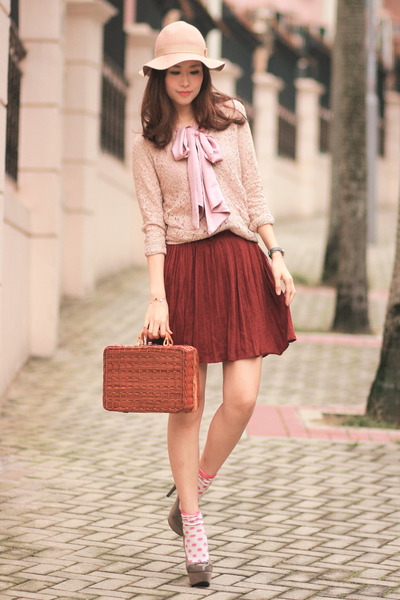 maroon Sheinside skirt - tawny Chicwish bag - light pink Global Citizen cardigan