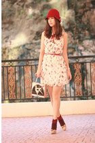 red Chicwish dress - camel Chloe pumps