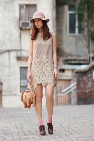 beige romwe dress - tan kate spade bag - dark brown Vero Cuoio heels